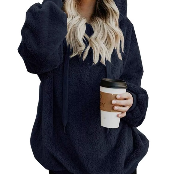Tops - 🆕Navy Hooded Faux Fur Pullover with Pockets